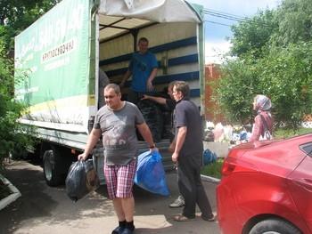 «ГрузовичкоФ» помог доставить гуманитарную помощь беженцам Украины