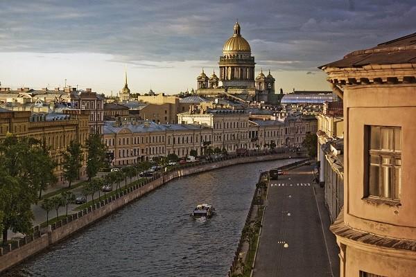 Туристы в Петербурге