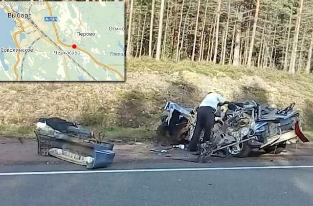 Встрашном ДТП наСкандинавии фура уничтожила «Форд», есть жертвы