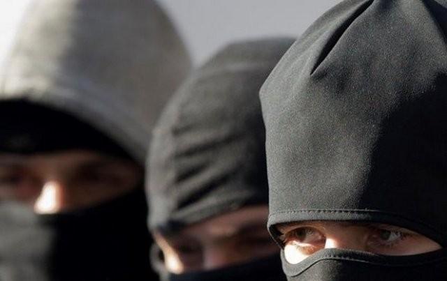 Трое «фантомасов» свинтовкой ограбили дачника впоселке Кирпичное