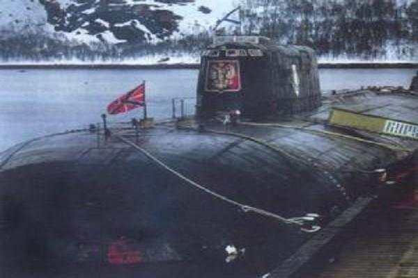 В Российской Федерации вспоминают погибших 16 лет назад моряков АПЛ «Курск»